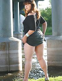 Hot overweight schoolgirl gets all naked alfresco